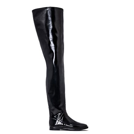 Acquo Broadway, A semi glossy thigh high wellington boot model with a comfortable heel. 80 cm shaft – 1,5 cm heel